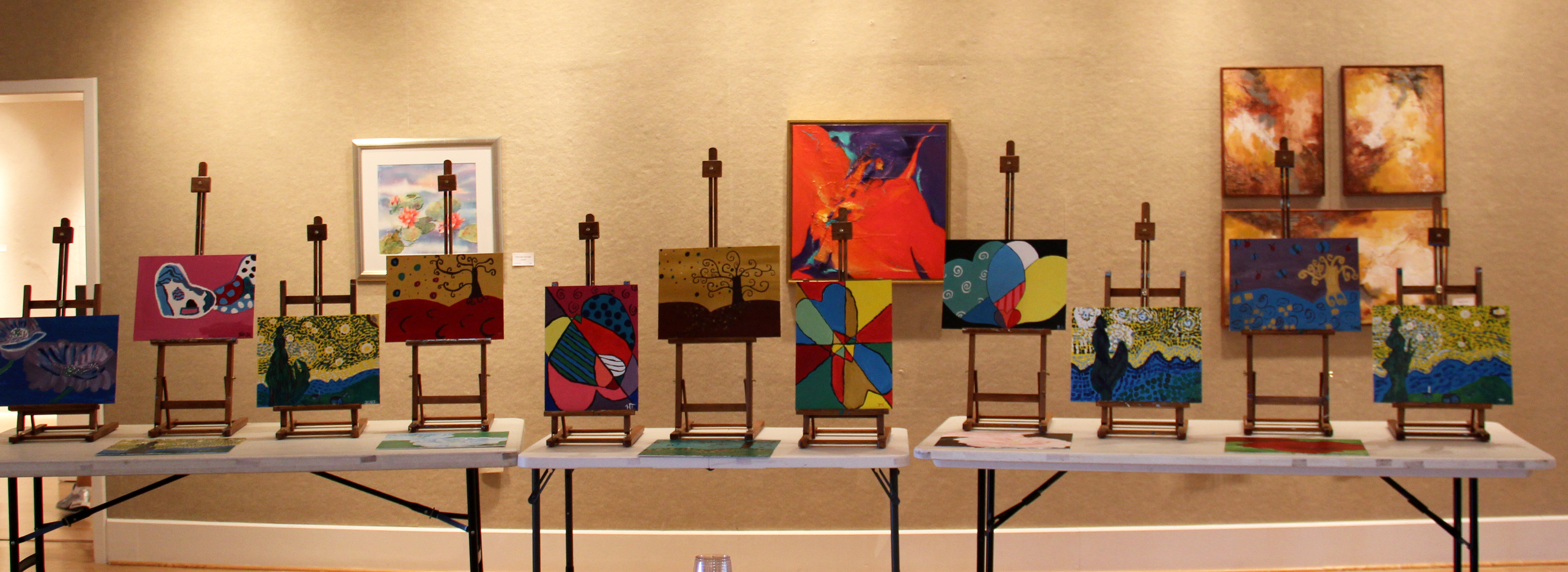 Kids Exhibition Booth : Artist studios at the promenade centers for arts